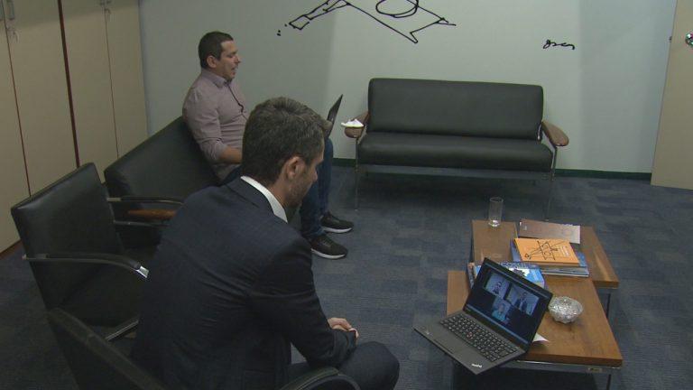 Deputados Alex Manente (frente) e Marcelo Ramos em reunião virtual com Fábio Trad Fonte: Agência Câmara de Notícias