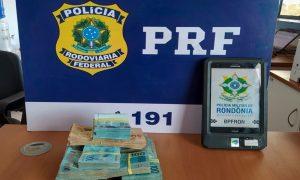 Dinheiro foi apreendido em Guajará-Mirim, RO — Foto: PRF/Divulgação